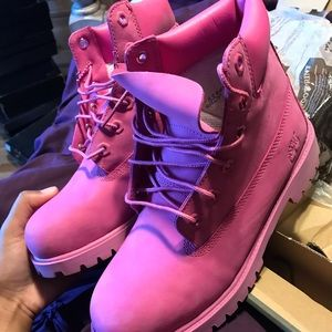 PINK TIMBERLAND SIZE 6.5Y 💖💕💗